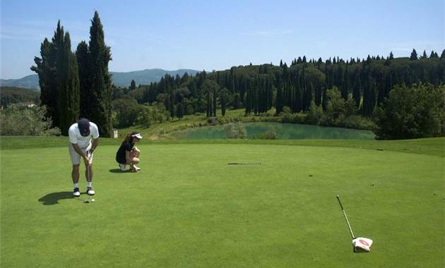 crop red ugolino2 Golf in Tuscany